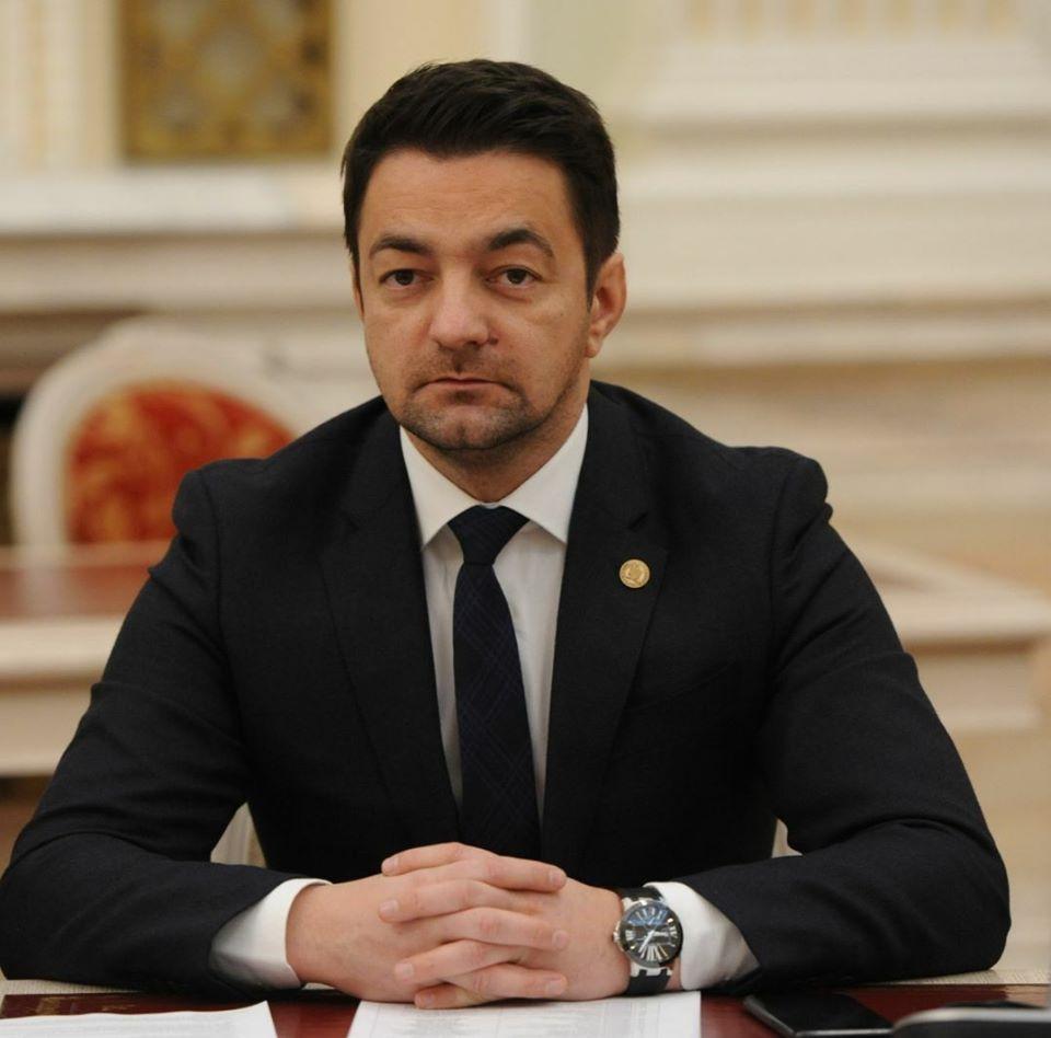 Liberalii botoșăneni continuă sarabanda de numiri a rudelor și prietenilor în funcții de conducere în instituțiile publice locale pe care a început-o Guvernul Orban de 6 luni! 30